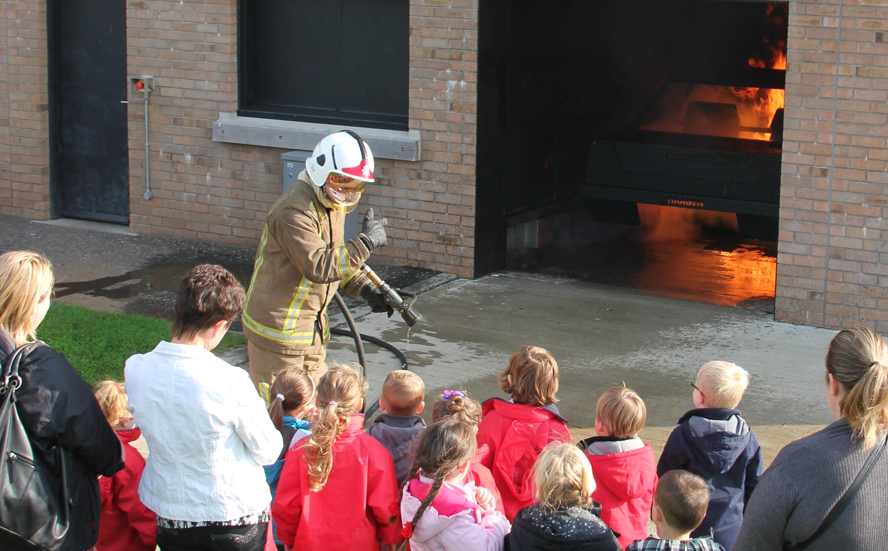 Motherwell kids know fire safety rules!