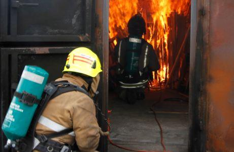 Man injured in Edinburgh chip pan fire