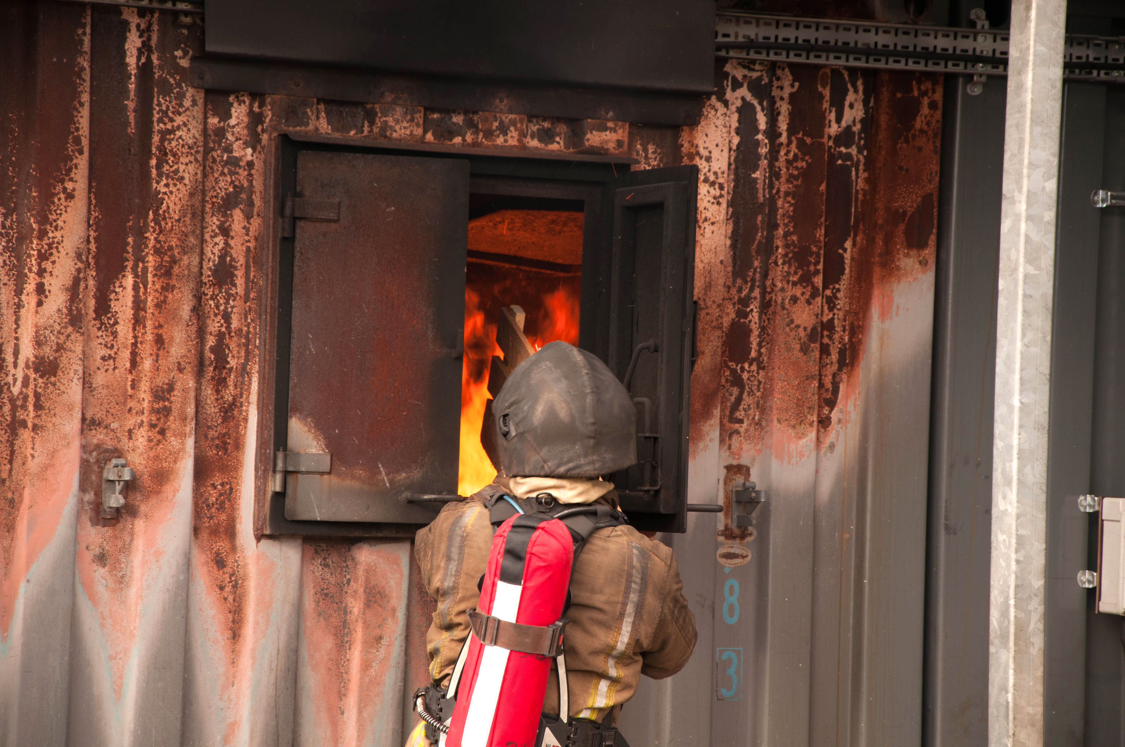 Retained firefighter springs into action