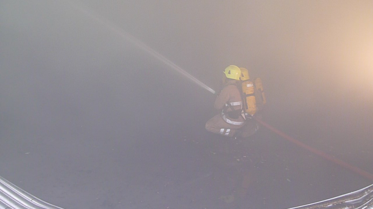 Firefighters continue to tackle large fire at recycling plant, Glenfarg
