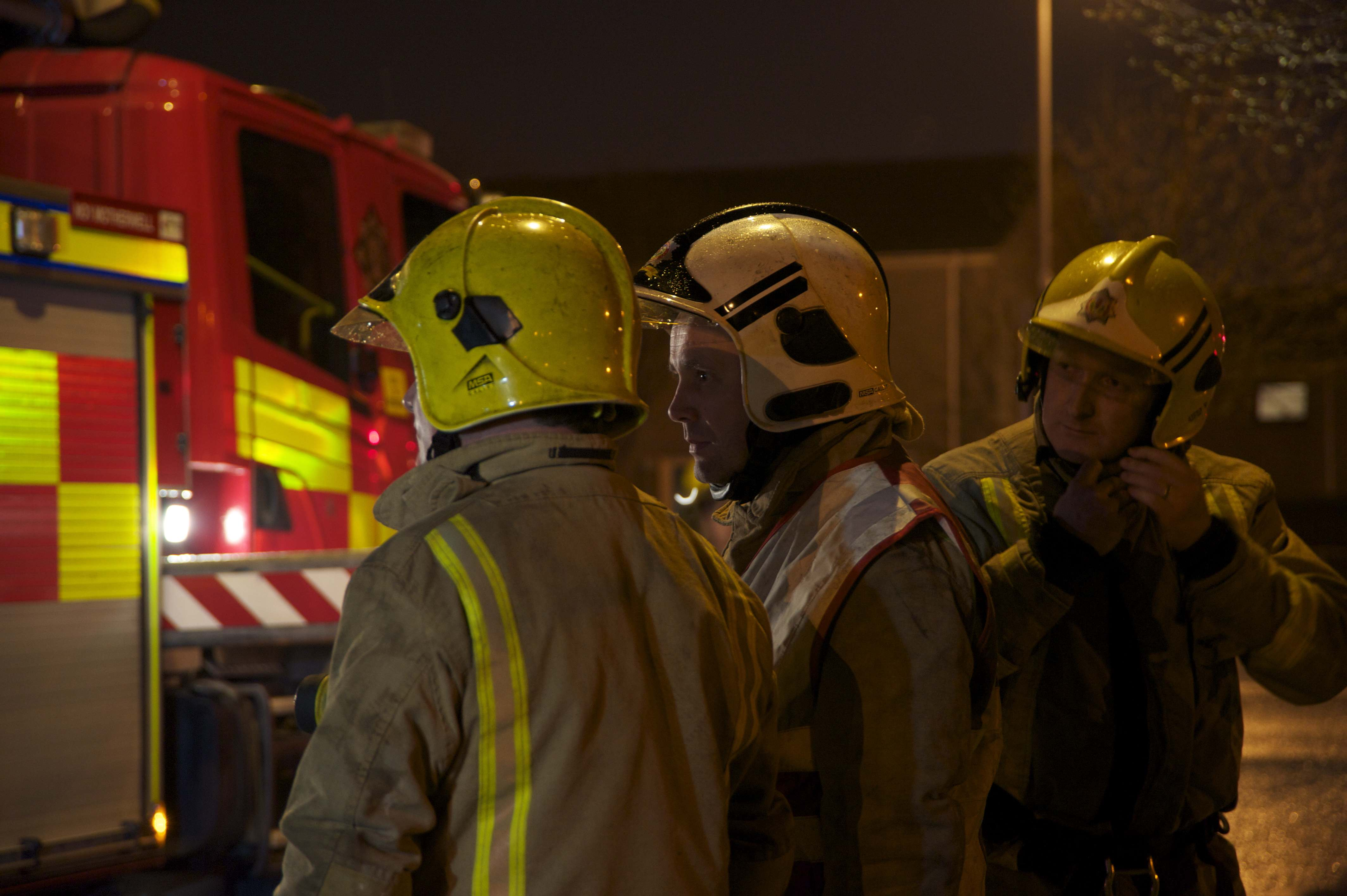 Four rescued from North Lanarkshire fire