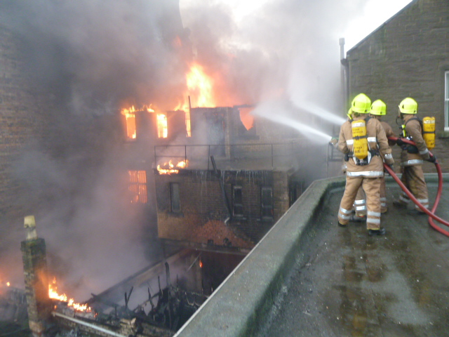Fire Crews tackle major fire in Murraygate, Dundee