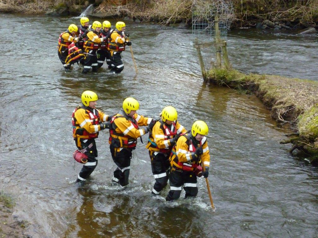 Swift water rescue course