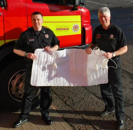 Electric Blanket - Group Manager P And K Rab Middlemiss And Home Safety Officer Stewart Nelson