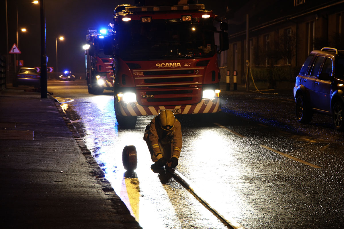 Firefighters tackle blaze at Inverclyde tenement
