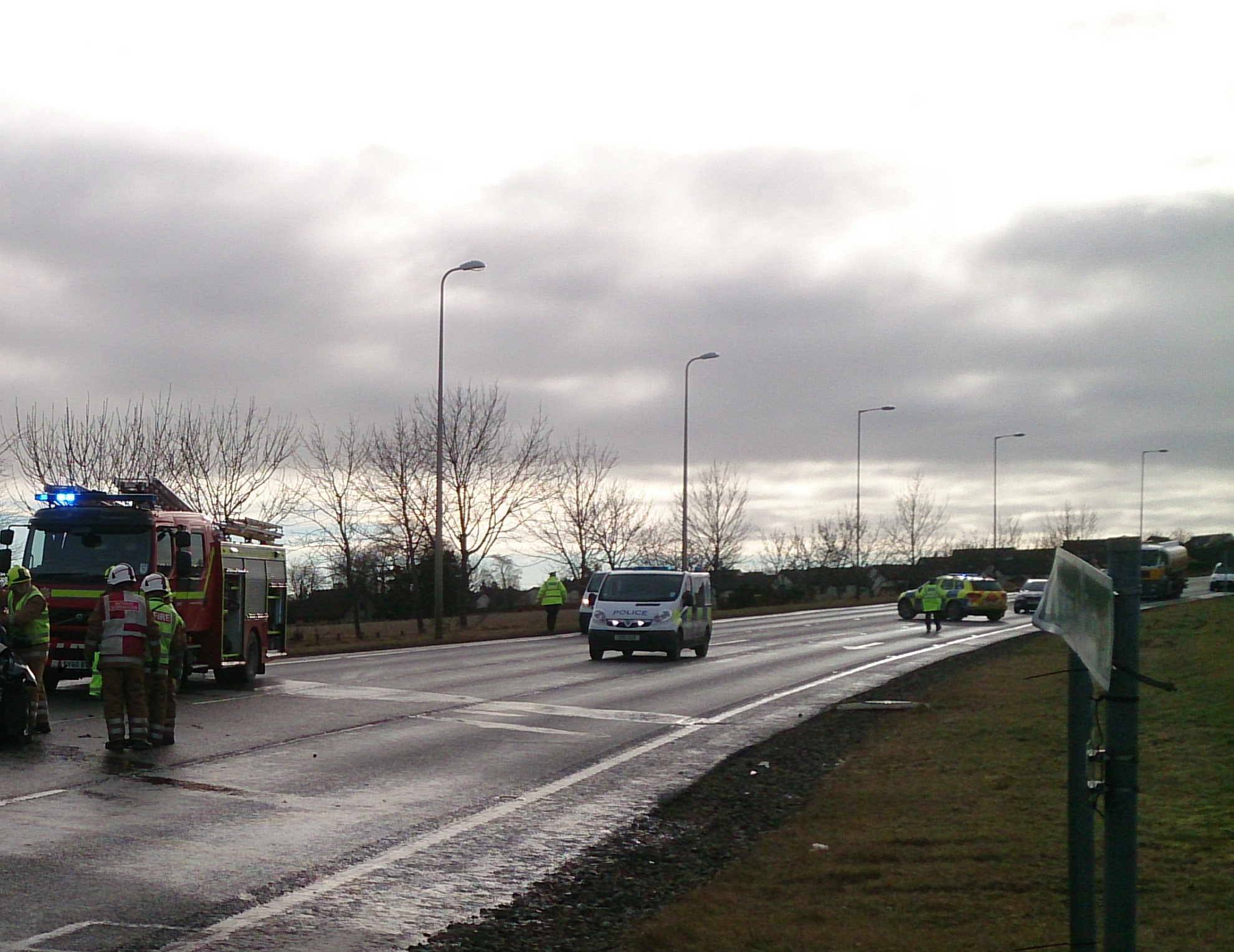 Multi-agency response to four vehicle road traffic collision praised by fire officer