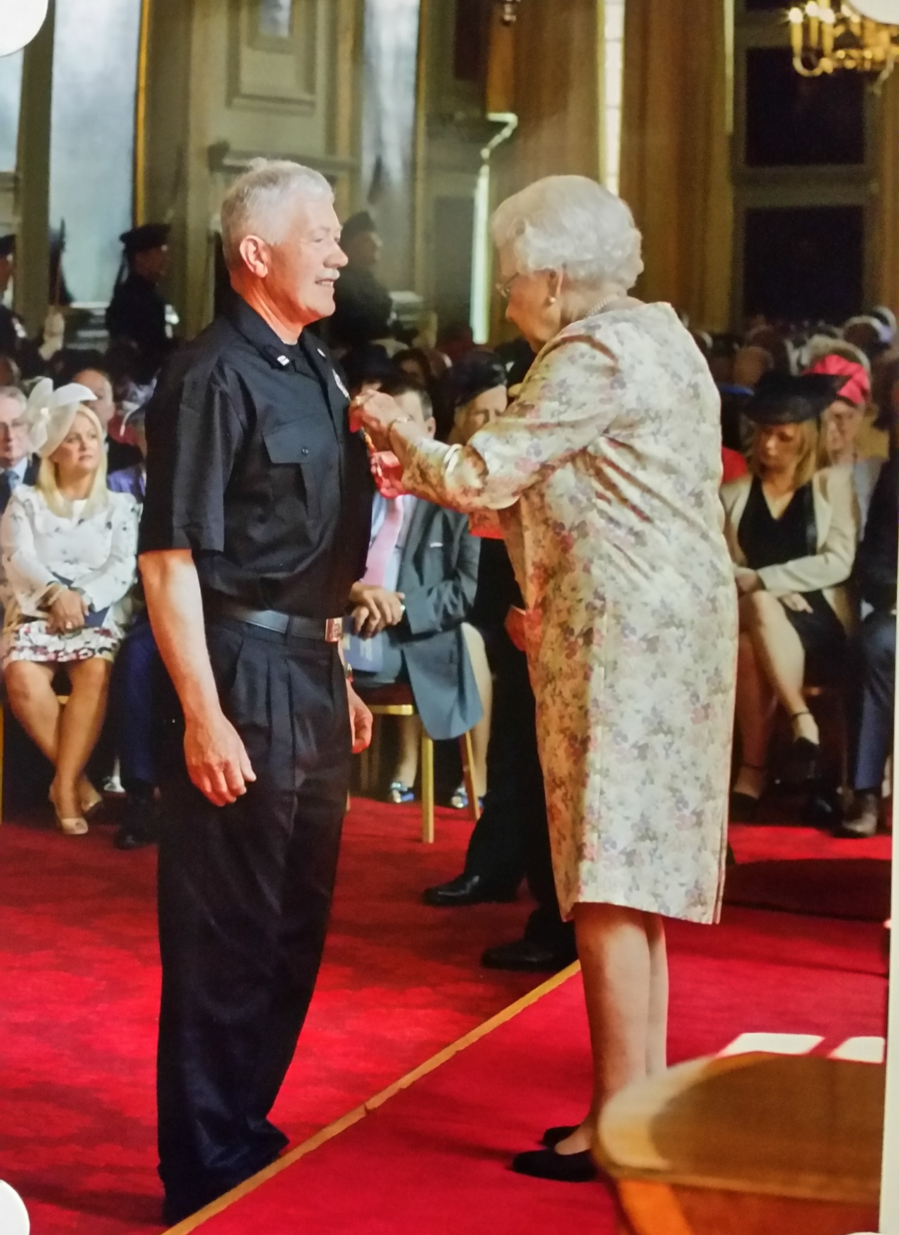 Balintore Community Response Unit Crew Manager receives QFSM at Holyrood House
