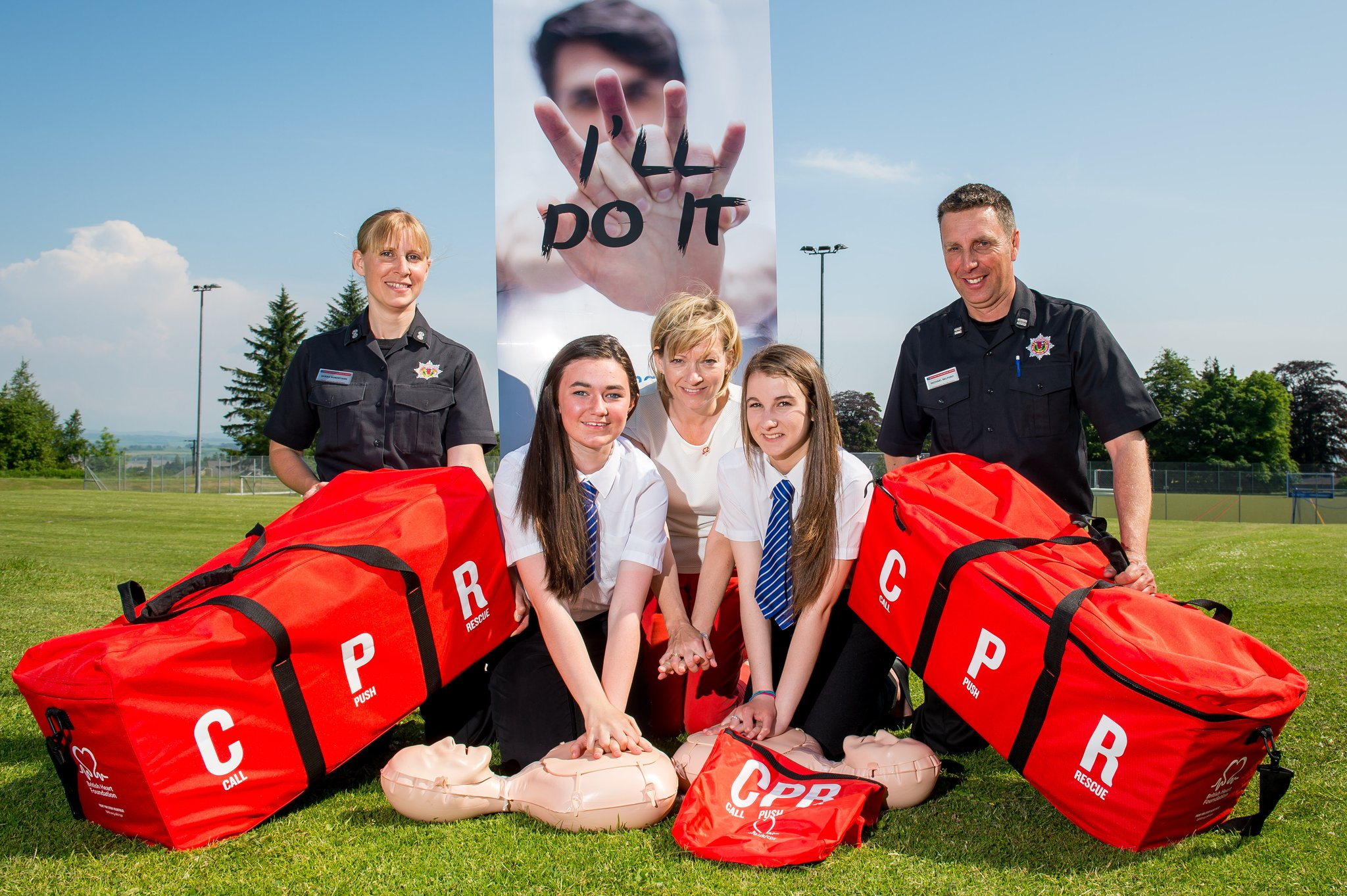 Over 500 pupils become life-savers in mass school CPR event