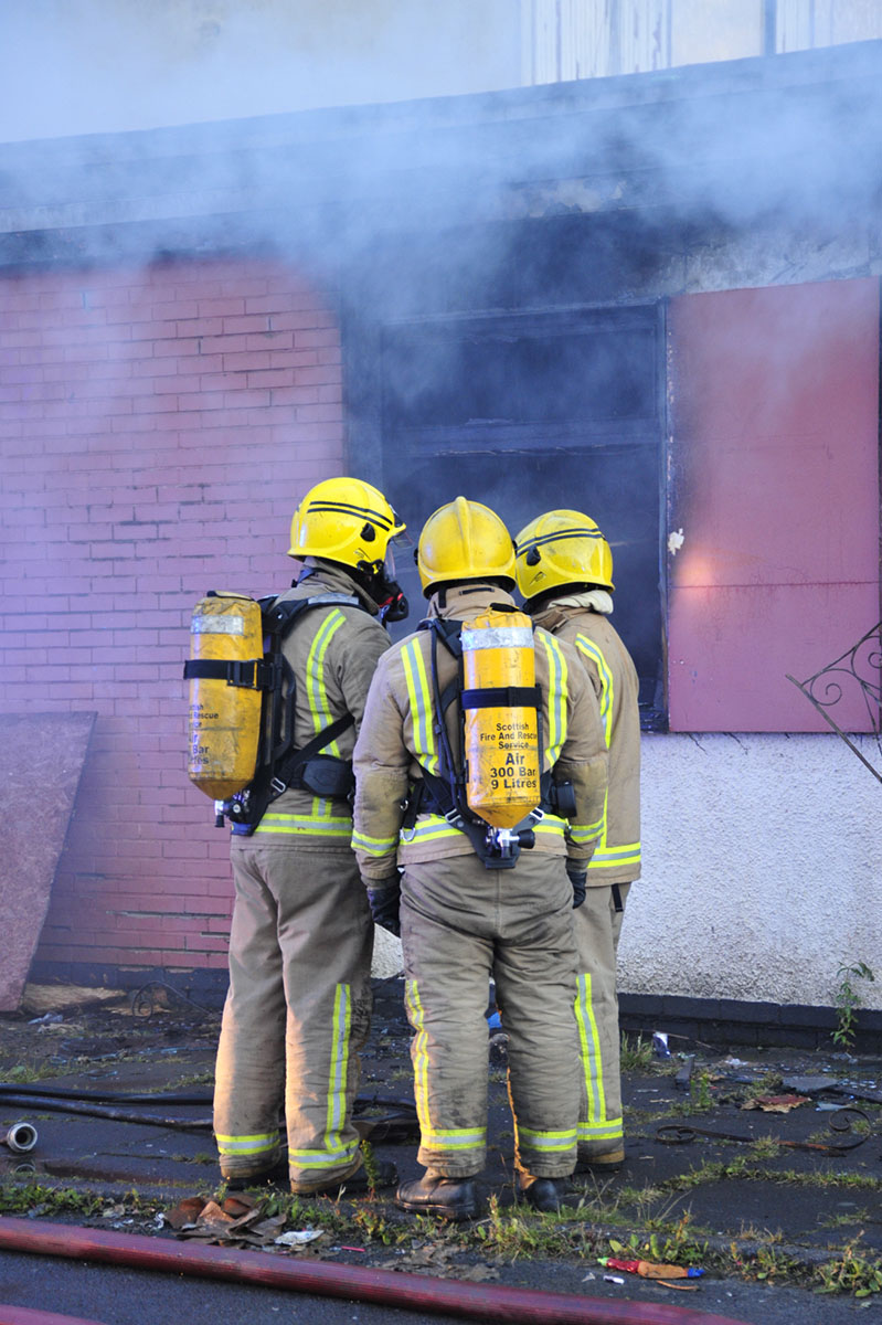 Major fire at former pub in North Glasgow