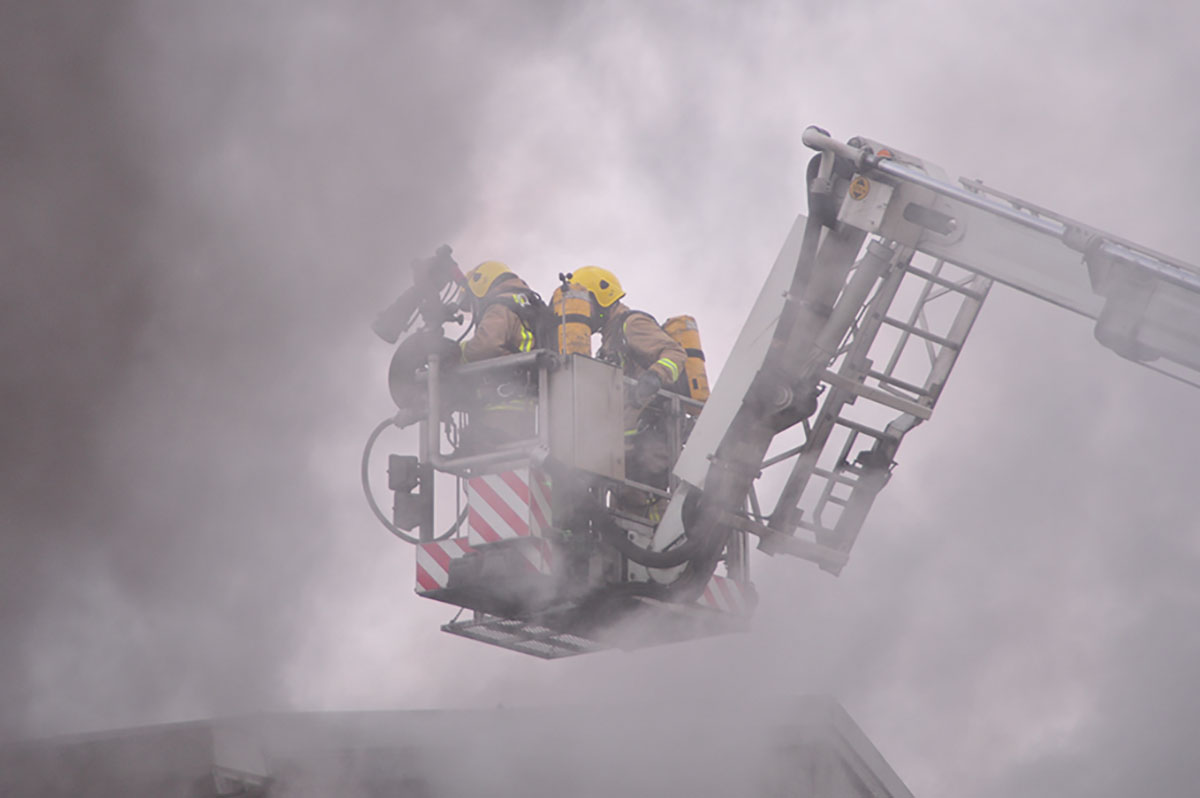 Firefighters battle blaze at Coatbridge pub